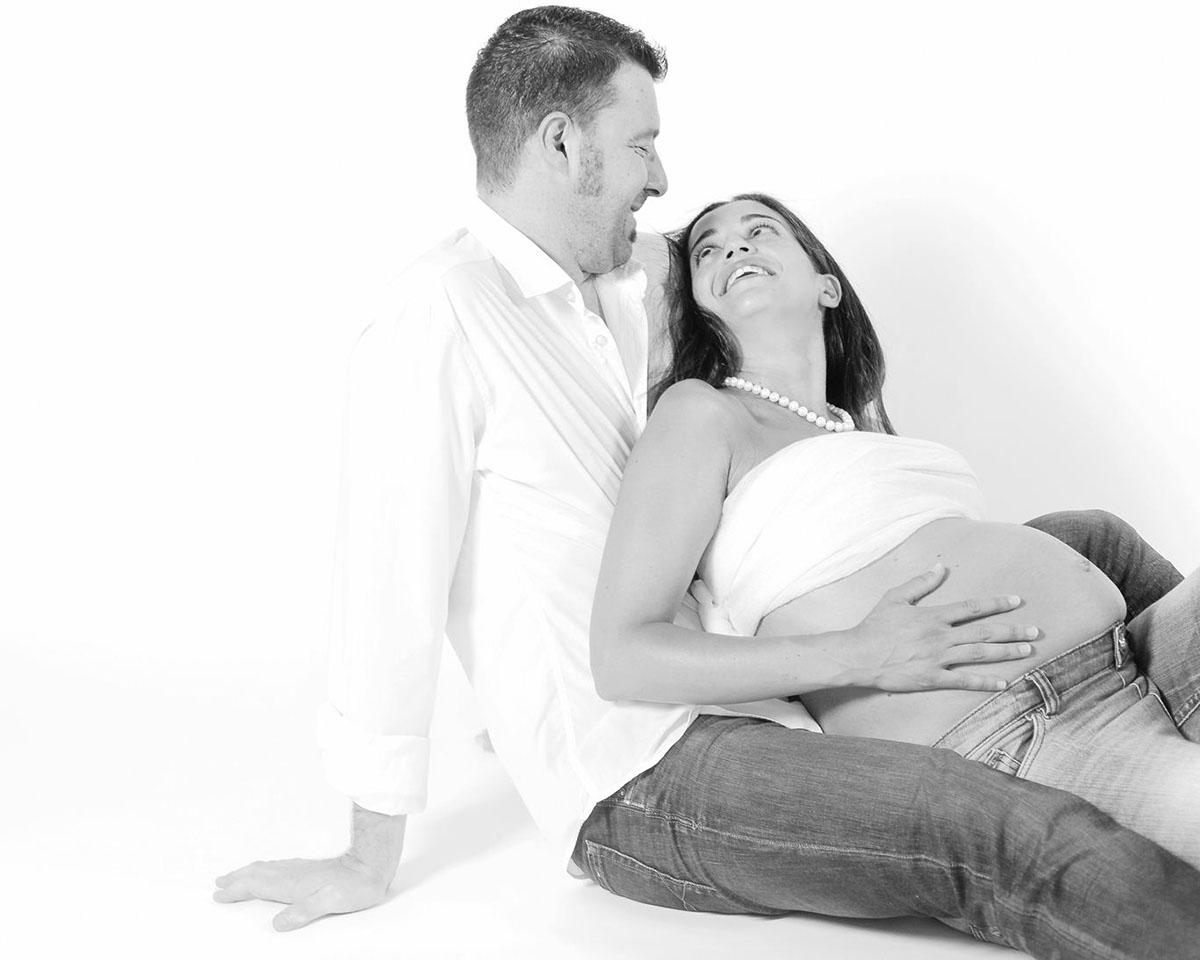 ritratto mamma incinta con marito