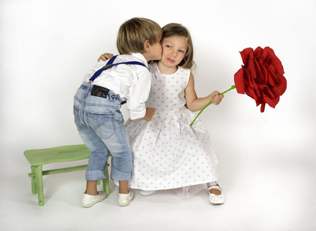 fidanzatini-che-si-baciano-jpg